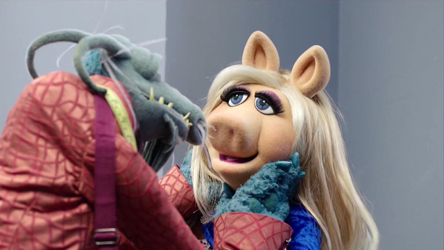 File:TheMuppets-S01E07-LookAtMe01.png