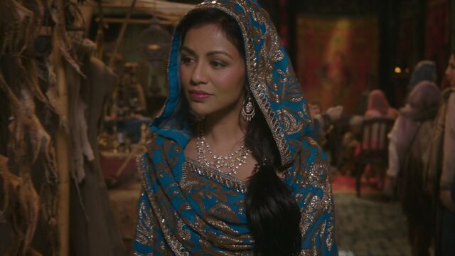 File:Once Upon a Time - 6x15 - A Wondrous Place - Jasmine in Market.jpg