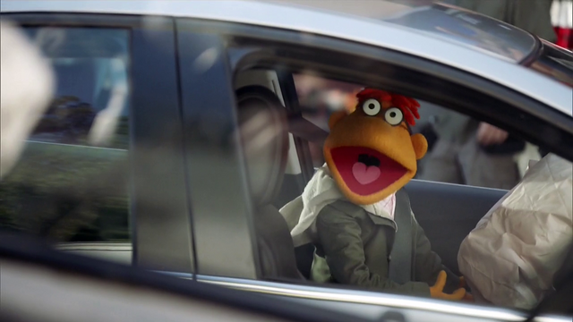 File:TheMuppets-S01E05-ScooterAirbag.png