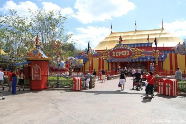 File:Dumbo Attraction Entrance.jpg