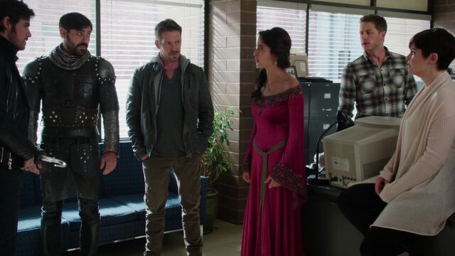 File:Once Upon a Time - 5x05 - Dreamcatcher - Prison Meeting.jpg