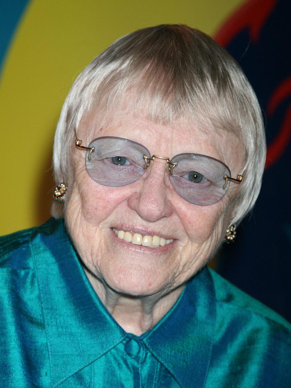 File:Pat Carroll (actress) 300.jpg