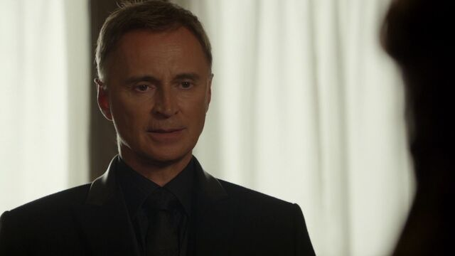 File:Once Upon a Time - 6x06 - Dark Waters - Gold.jpg