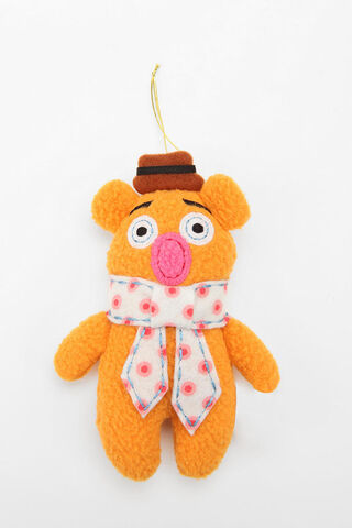 File:Urban outfitters fozzie ornament 2011-02.jpg