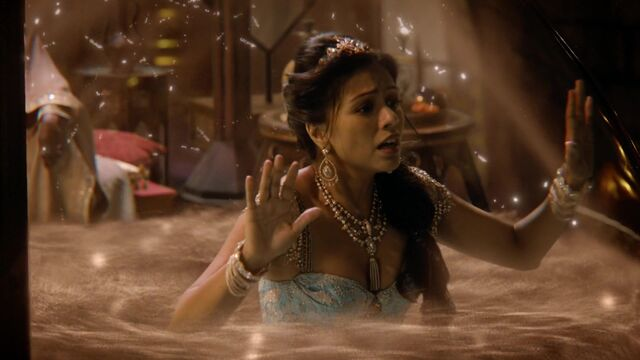 File:Once Upon a Time - 6x05 - Street Rats - Jasmine in Sandglass 2.jpg