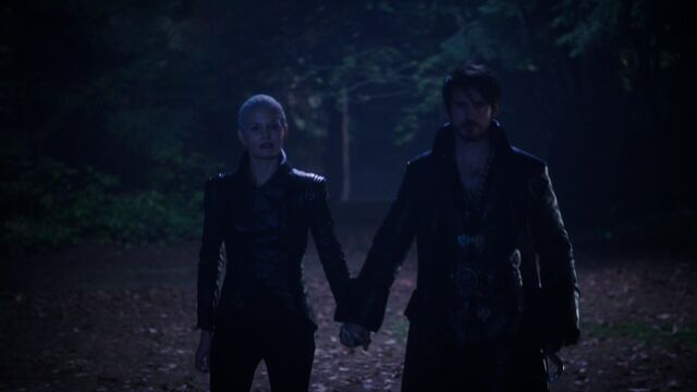 File:Once Upon a Time - 5x10 - Broken Heart - Dark Ones Hold Hands.jpg