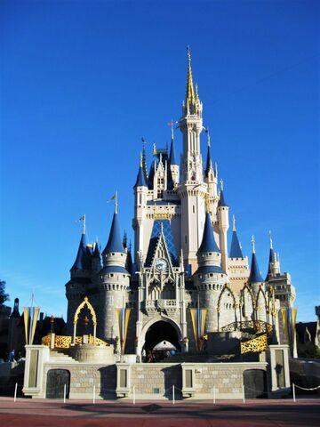File:Cinderella Castle of Magic Kingdom Florida.jpg