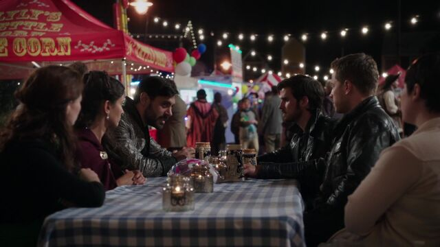 File:Once Upon a Time - 5x05 - Dreamcatcher - Discussing Excalibur.jpg