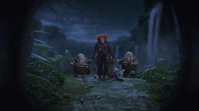 File:Tim Burtons Alice in Wonderland 03.jpg