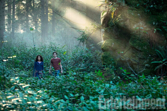 File:A Wrinkle In Time - Meg and Calvin.jpg
