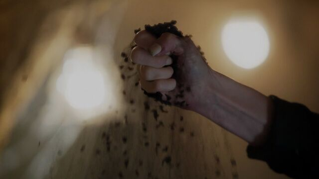 File:Once Upon a Time - 5x03 - Siege Perilous - Sword to Dust.jpg