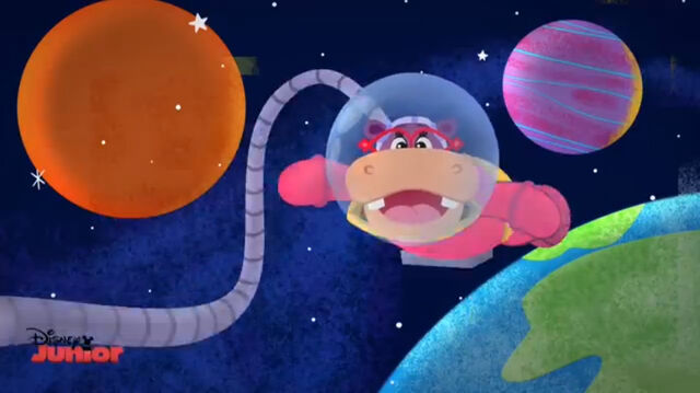 File:Animated hallie in space.jpg
