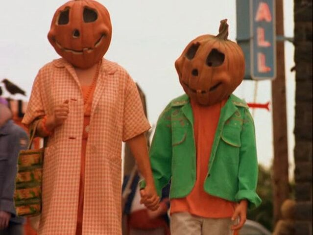 File:Halloweentown-disneyscreencaps.com-2978.jpg
