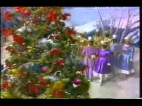 File:Beautiful christmas tree.jpg