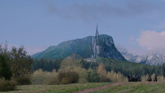 File:Evil Queen's Castle Swan Song.jpg
