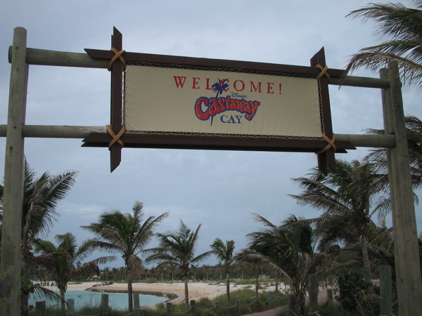 File:WelcomeCastawayCay.jpg