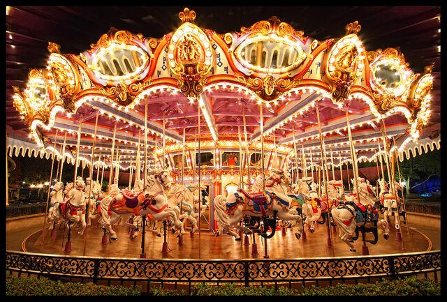 File:King-Arthurs-Carrousel-Night.jpg