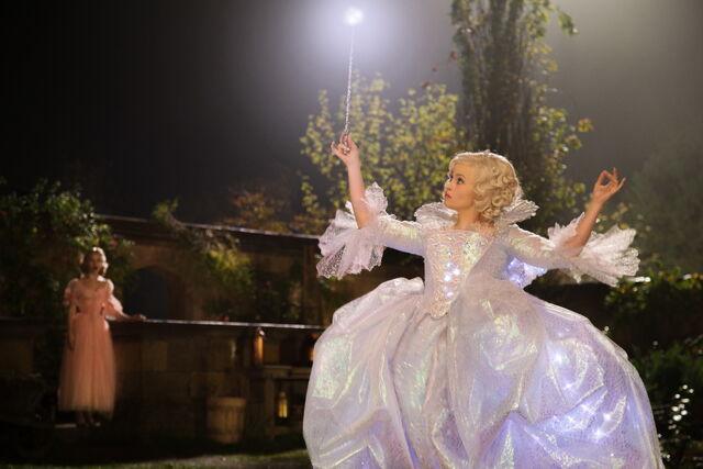 File:Cinderella 2015 32.jpg