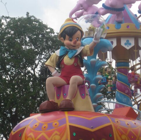 File:Pinocchio in Festival of Fantasy parade.JPG