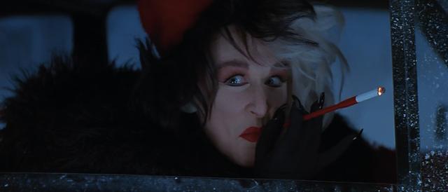 File:Cruella-De-Vil-1996-11.png