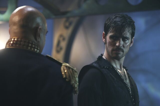 File:Once Upon a Time - 6x06 - Dark Waters - Photgraphy - Hook 2.jpg