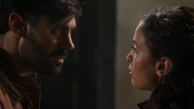 File:Once Upon a Time - 5x04 - The Broken Kingdom - Tension.jpg