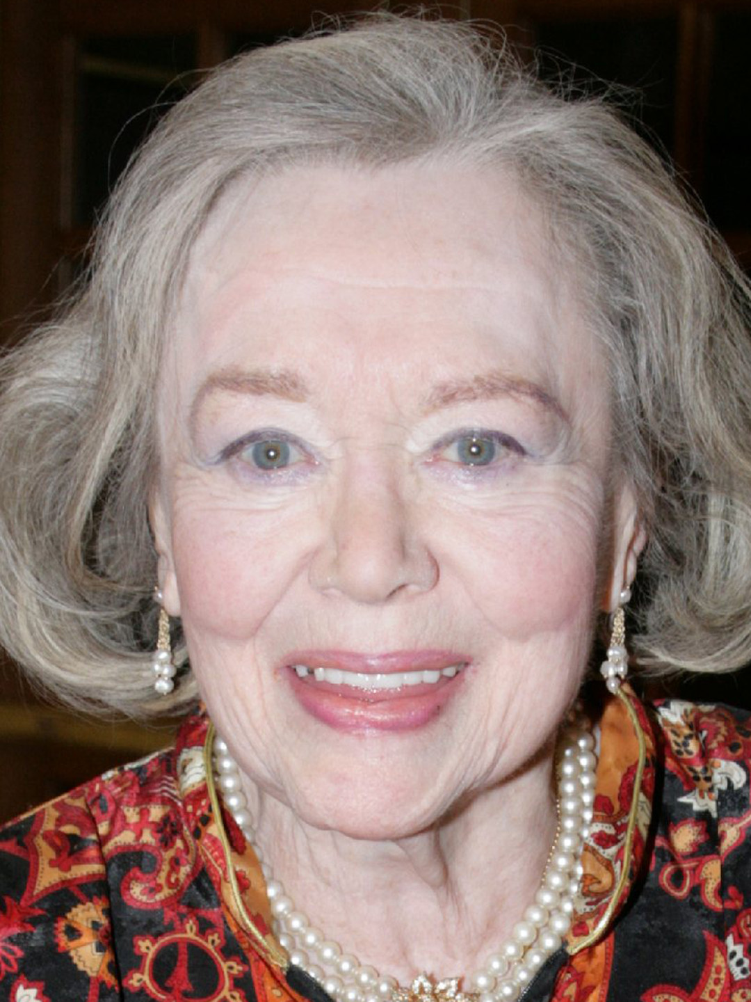 File:Glynis Johns.jpg