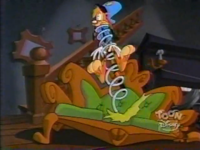 File:GoneBonkers Couch.png