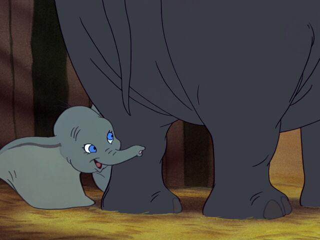 File:Dumbo-disneyscreencaps.com-1963.jpg