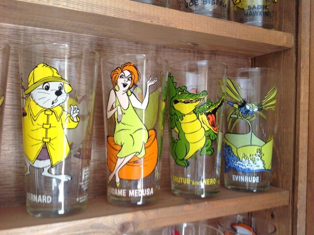 File:The rescuers pespi tumblers.jpg