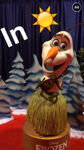 File:Olaf in Hula Skirt D23.PNG