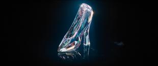 Glassslipperfirstlook2015film