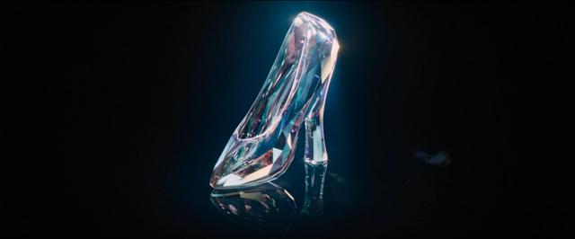 File:Glassslipperfirstlook2015film.png