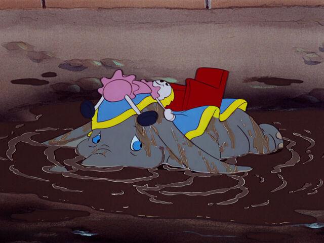 File:Dumbo-disneyscreencaps.com-1832.jpg