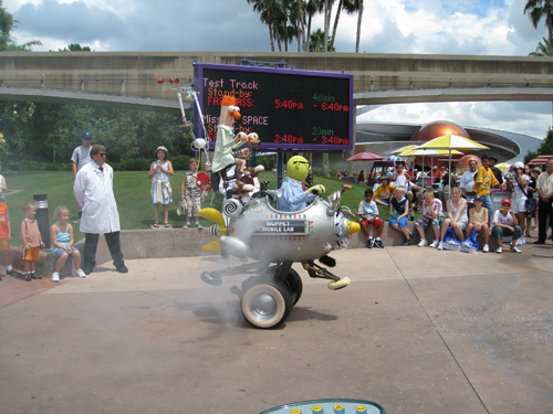 File:Muppet Mobile Lab at Epcot.jpg