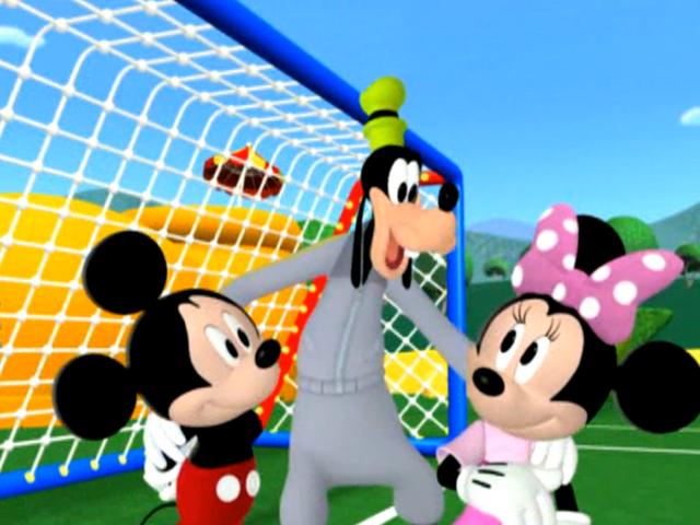 File:Goofy's Swingin' Soccer - Mickey Mousekersize 659.png