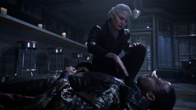 File:Once Upon a Time - 5x10 - Broken Heart - Merlin Dust.jpg
