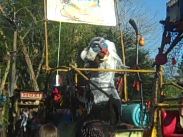 File:RafikiinAnimalKingdomParade.jpg