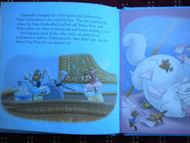 File:Cinderella mini story books-.JPG