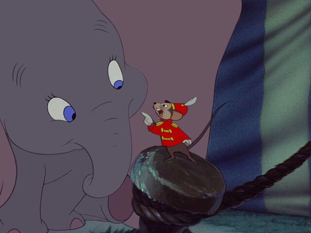 File:Dumbo-disneyscreencaps com-2958.jpg