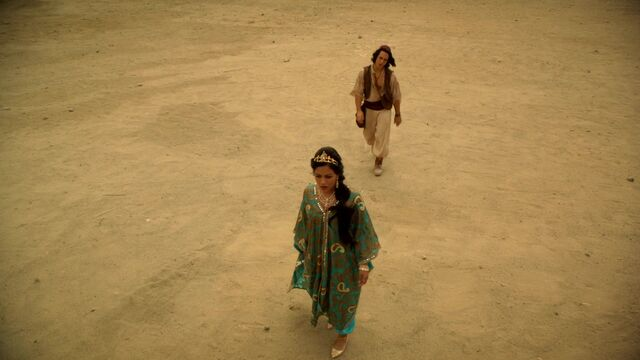File:Once Upon a Time - 6x05 - Street Rats - Jasmine and Aladdin in Desert.jpg