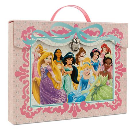 File:Disney Princess 2014 Art-Kit Case.jpg