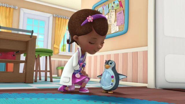 File:Doc-McStuffins-Season-2-Episode-25-Mirror-Mirror-on-My-Penguin--Hide-and-Eek-.jpg