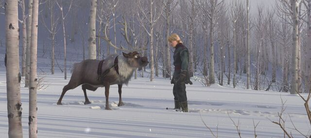 File:Frozen-disneyscreencaps.com-9275.jpg