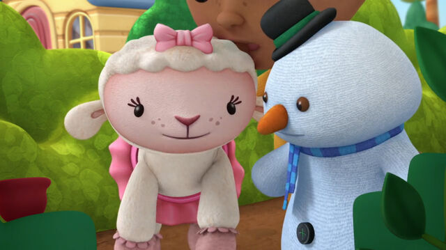 File:Lambie and chilly at the bushes.jpg