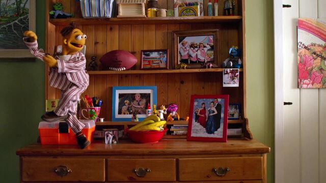 File:TheMuppets-(2011)-Life'sAHappySong-Merchandise.jpg