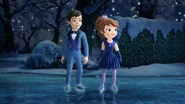 File:Hugo and Sofia ready to dance.jpeg