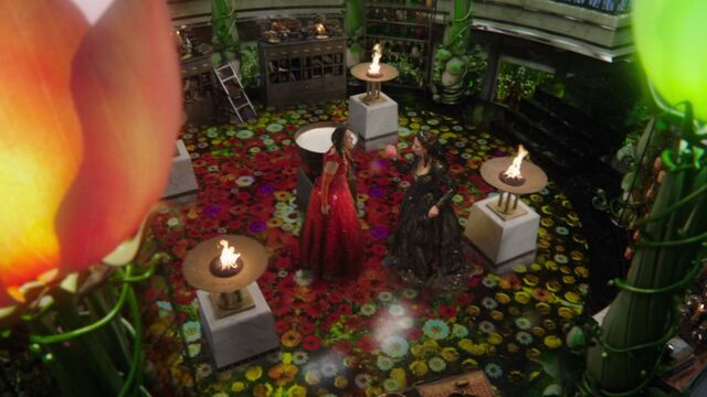 File:Once Upon a Time - 6x19 - The Black Fairy - Ripping Heart.jpg