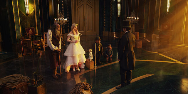 File:Oz the Great and Powerful 38.jpg