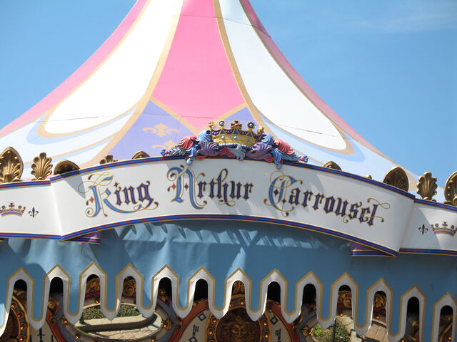 File:King Arthur Carrousel.jpg